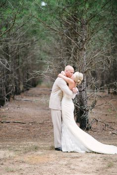 passionate kisses | Rustic Country Wedding | Rustic White Photography | Heart Love Weddings