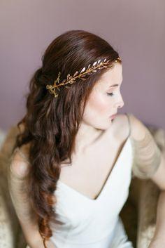 Rose gold hair vine by Victoria Millesime