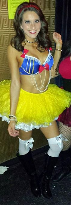 (sexy) Snow White costume, Halloween 2014 DIY navy blue bra