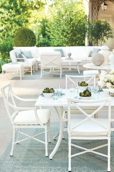 Suzanne Kasler Suzanne Kasler's new white Directoire outdoor furniture collection for Ballard Designs. Love The post Suzanne Kasler appeared first on Outdoor Ideas. White Patio Furniture, Furniture Collection, Outdoor Furniture, White Outdoor Table, Trending Decor, Pool Furniture, Furniture Design, Diy Outdoor Furniture, Furniture Layout