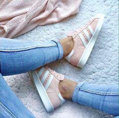 Sapato Salto Prada Nude e Preto | Brechó de luxo prettynew