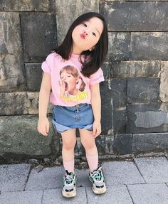 Donde la familia Jeon conformada por Jeon JungKook y Park JiMin viven… # Fanfic # amreading # books # wattpad Cute Asian Babies, Korean Babies, Asian Kids, Cute Babies, Cute Little Baby, Cute Baby Girl, Little Babies, Cute Baby Pictures, Baby Photos