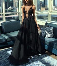 long  black dress, style, fasion, черное платье, длинное платье в пол с кружевом и большим вырезом. вечернее платье