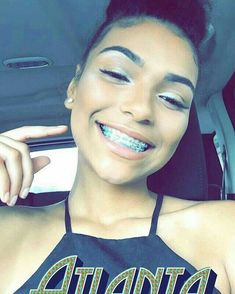 8 Tips for Choosing the Right Cosmetics for Your Skin Type Cute Girls With Braces, Cute Braces Colors, Dental Braces, Teeth Braces, Braces Smile, Braces Tips, Getting Braces, Brace Face, Pretty Females