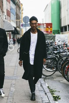 28 Best Black Men Outfit Ideas For Street Style Men Street, Street Wear, Mantel Outfit, Mode Man, Mode Streetwear, Men Looks, Trendy Fashion, Fashion Black, Style Fashion
