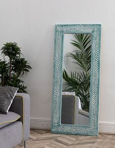 Double room: 102 ideas and projects to decorate your environment - Home Fashion Trend Diy Mirror, Mirror Work, Sunburst Mirror, Wood Mirror, Mirror Painting, Painting Frames, Wall Mirrors India, Rustic Bathroom Mirrors, Vintage Mirrors