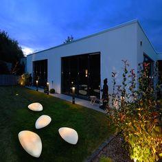 Led, Lights, Outdoor Decor, Restaurant, Home Decor, Decorating Ideas, Stones, Room Decor, Diner Restaurant
