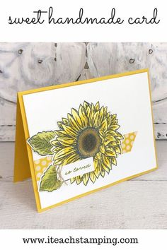 This sunflower card with its clean and simple design was so fast and easy to make. I used alcohol markers to color the sunflower so it was goof-proof and the die cut made it lickety split fast! Sunflower Cards, Alcohol Markers, Simple Backgrounds, Card Sketches, Creative Cards, Daffodils, No Time For Me, Light Colors, Simple Designs
