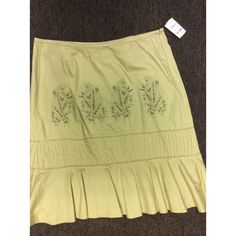 """Nordstrom Persaman Woman NY New with tag Size 16W Khaki, embroidered skirt 100% cotton Measures 40"""" in waist( measured all around) or 20"""" in waist,  25"""" in hips and 27"""" in length"""