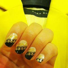 Black & Yellow! Limited edition Kiss nail dress worn w/Zara blazer! #OOTD#Naildress sold at #walgreens#walmart#cvs#target#duanereade#fredmeyer#black#gold#lace I #Love#nails#naildesigns#nailstrips#nailart#manicure#fashion#style#wardrobe#yelllow#blazer#zara