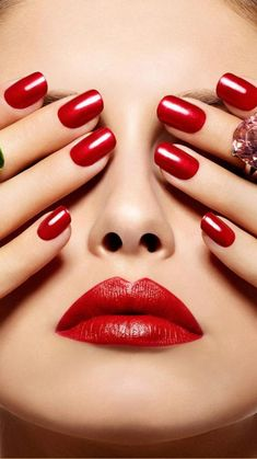 Studio Hair, Love My Makeup, Make Up Art, Beautiful Lips, Red Lipsticks, Manicure And Pedicure, Gel Nail Polish, Red Nails, Nails Inspiration