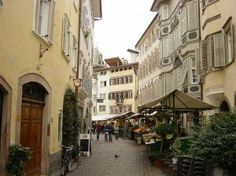 Bolzano fruit market. If you are looking for fine Italian wine and food, consider the Trentino-Alto Adige region of northern Italy. You may find a bargain, and I hope that you'll have fun on this fact-filled wine education tour.