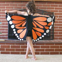 Do your kids love imaginary play and dress-up? These felt monarch butterfly wings are just perfect for creative play. Homemade Halloween Costumes,#Halloween,#Costumes,