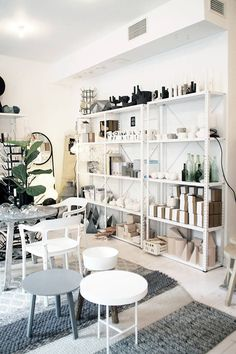 white painted shelving: lotta agaton store in stockholm Industrial Shelving, Metal Shelves, Painted Shelving, White Shelves, Visual Merchandising, Design Art Nouveau, Design Food, Retail Store Design, Retail Stores