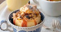 Pečené jablká s marcipánom a vanilkovou omáčkou - dôkladná príprava krok za krokom. Recept patrí medzi tie najobľúbenejšie. Celý postup nájdete na online kuchárke RECEPTY.sk. Pudding, Food, Custard Pudding, Essen, Puddings, Meals, Yemek, Avocado Pudding, Eten
