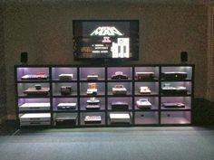 Geekverse: Gamer entusiasta cria estante para acomodar seus 22 consoles
