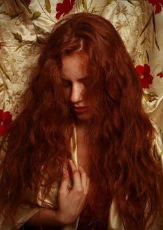 Nazif Topcuoglu, A Pre-Raphaelite picture,