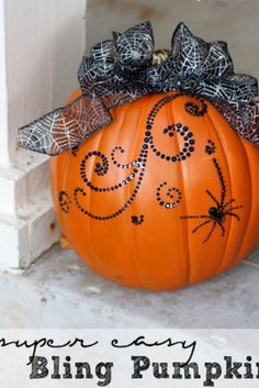 running out of time to decorate a pumpkin - do this!  it only takes a minute or two - super easy bling pumpkin for halloween and fall