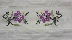 This Pin was discovered by Emi Cross Stitch Borders, Cross Stitch Designs, Cross Stitch Patterns, Bordado Tipo Chicken Scratch, Chicken Scratch Embroidery, Hand Embroidery Designs, Bargello, Cross Stitch Embroidery, Needlepoint