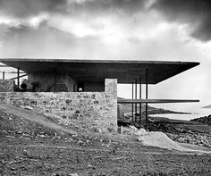 the Lanaras weekend house by Architect Nicos Valsamakis.The structure is one of great importance pertaining to Greek architecture during the Minimalist Architecture, Classic Architecture, Residential Architecture, Contemporary Architecture, Interior Architecture, Classical Athens, Weekend House, Architect House, Villa