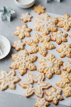 Almond Sugar Cookies Recipe - delicious crisp, tender, and buttery sugar cookies made with almond meal and flavored with almond extract and fresh orange zest. Topped with a simple cookie icing! Buttery Sugar Cookies, Almond Sugar Cookies, Sugar Cookies Recipe, Icing Recipe, Cut Out Cookie Recipe, Cookie Recipes, Dessert Recipes, Desserts, Cookie Icing