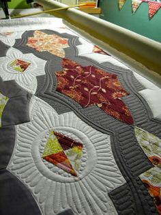 Pics of beautiful quilting designs on a medallion quilt