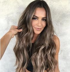 Long Ash Blonde Hair - 20 Best Long Hairstyles for Women of All Ages 2019 - The Trending Hairstyle Brown Hair Balayage, Brown Blonde Hair, Blonde Balayage, Hair Highlights, Short Hair Wigs, Long Hair With Bangs, Stylish Short Hair, Textured Hair, Hair Looks