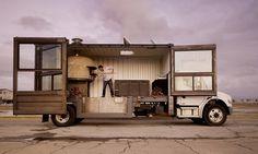 Caminhão pizzaria com forno à lenha