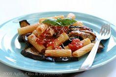Aglio, Olio e Peperoncino: Pasta alla Norma with eggplant