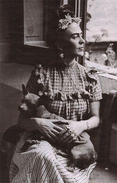 Frida, lola alvarez bravo