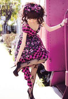 Dolldelight - love her alternative Lolita styles! Gyaru Fashion, Harajuku Fashion, Japan Fashion, Kawaii Fashion, Lolita Fashion, Fashion Wear, Harajuku Style, Fasion, Boho Fashion