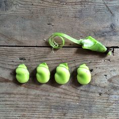 The very first of #broadbeans Organic Vegetables, Pear, Fruit, Food, Essen, Meals, Yemek, Eten, Bulb