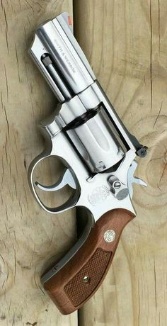 S&W Model 66 357 magnum with barrel. This is the stainless steel version of the legendary model 19 combat magnum. Military Weapons, Weapons Guns, Guns And Ammo, Smith And Wesson Revolvers, Smith Wesson, Colt Python, 357 Magnum, Custom Guns, Fire Powers