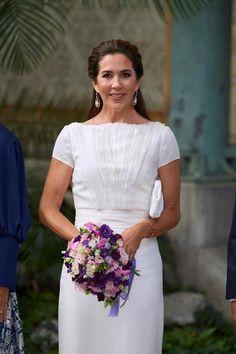 Crown Princess Mary, Royal Fashion, Fascinator, One Shoulder Wedding Dress, Awards, Foundation, Portrait, Wedding Dresses, Royal Style