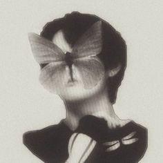 Taehyung, Bts Jungkook, Demian Hermann Hesse, Kpop Posters, Arte Sketchbook, Bts Aesthetic Pictures, Bts Pictures, Foto Bts, Aesthetic Art