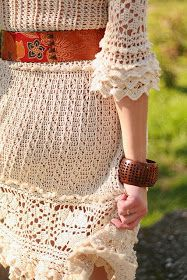 I have a soft spot for crocheted dresses. Whenever I see one that fits my taste, I just have to stop right then and there and admire it....