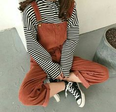 Aesthetic clothes - 60 Outstanding Grunge Outfits Ideas For Women fashionssories com – Aesthetic clothes Retro Outfits, Vintage Outfits, Mode Outfits, Korean Outfits, Casual Outfits, Fashion Outfits, Vintage Fashion 90s, Fasion, 90s Fashion Overalls