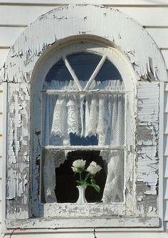 white on white love arched doors or windows Window View, Lace Window, Window Art, Through The Window, Window Dressings, Old Doors, Shades Of White, Window Boxes, Windows And Doors