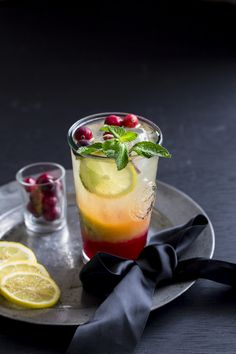 Cranberry Mojito is absolutely refreshing and colorful, perfect as a Holiday Mocktail. Mood and festivity jazz up with this easy color burst mocktail. Party Drinks, Cocktail Drinks, Fun Drinks, Yummy Drinks, Cocktail Recipes, Italian Cocktails, Beverages, Holiday Drinks, Smoothie Recipes
