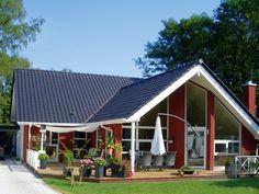 Imagini pentru haus am hang garage Bungalows, Lillehammer, Mountain House Plans, Wood Stone, Beautiful Homes, Beach House, Shed, Exterior, House Design