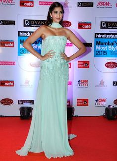 Sonam Kapoor at HT Mumbai's Most Stylish 2015 : Wearing a icy, pastel Elie Saab gown which had a somewhat similar idea of the Versace gown which Lady Gaga wore at the Oscars 2014. Though, the gown was pretty, somehow, it couldn't live up to Sonam's...