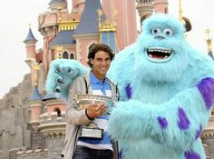 Can't not repin! :-)) I mean it's Sulley! ...and Rafa! Rafael Nadal and Monsters Inc's Sulley at Disneyland Paris #tennis #atp #RG13