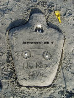 LIL RED DEVIL on the beach (by @simoechelon71 and @Ila_76 )
