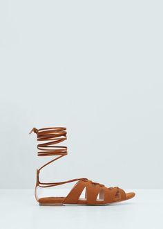Sandália tiras cruzadas | MANGO