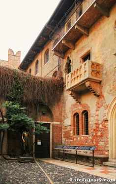 The balcony of Juliets house in Verona, Italy. One of the places I really want to see.