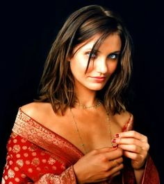 Cameron Diaz as brunette Cameron Diaz Hair, Michelle Yeoh, John Malkovich, Hot Hair Colors, Natural Blondes, Hollywood Celebrities, Female Celebrities, Hair Pictures, Gypsy Style