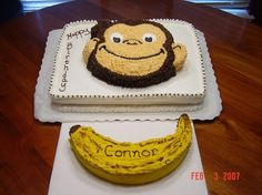 Easy smash cake for a Monkey themed birthday party.