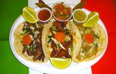 Tacos Mexicanos #recetas #mexicanas Mexican Cooking, Mexican Food Recipes, Ethnic Recipes, Traditional Mexican Dishes, Great Recipes, Favorite Recipes, Peruvian Recipes, I Love Food, Cooking Recipes