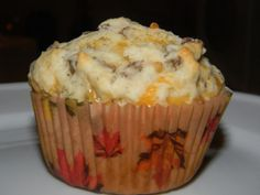 Sausage and Cheddar Breakfast Muffins. a quick and easy recipes for breakfasts on the go. (quick easy dinner on the go) What's For Breakfast, Breakfast Muffins, Breakfast Dishes, Breakfast Recipes, Chicken Breakfast, Second Breakfast, Breakfast Burritos, Sausage Breakfast, Yummy Treats