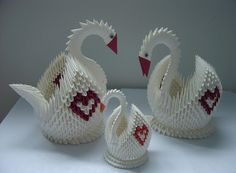 3D Origami - Swan with Heart Pattern